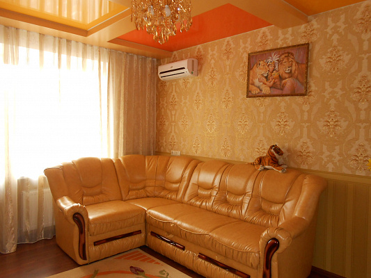 3-комнатная квартира посуточно в Хмельницком. Хмельницкий, ул.Заречанская, 11Е, 11Е. Фото 1