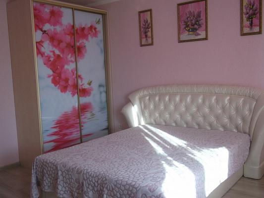1-комнатная квартира посуточно в Севастополе. Гагаринский район, пр-т Античный, 20. Фото 1