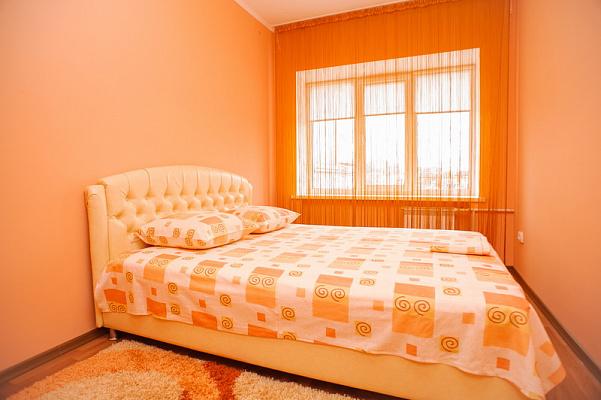 2-комнатная квартира посуточно в Черкассах. ул. Остафия Дашковича, 30. Фото 1