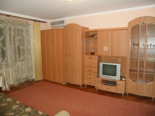 1-комнатная квартира посуточно в Киеве. Печерский район, Ивана Федорова, 9. Фото 1
