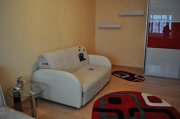1-комнатная квартира посуточно в Хмельницком. ул. Хотовицкого, 9/1. Фото 1
