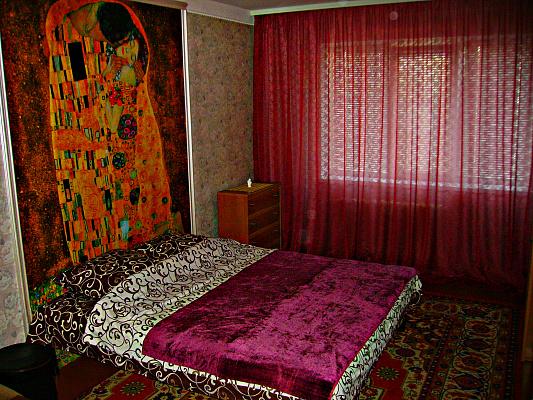 1-комнатная квартира посуточно в Киеве. Деснянский район, Маяковского пр-кт, 28б. Фото 1