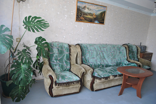 2-комнатная квартира посуточно в Севастополе. Гагаринский район, ул. Шостака. Фото 1