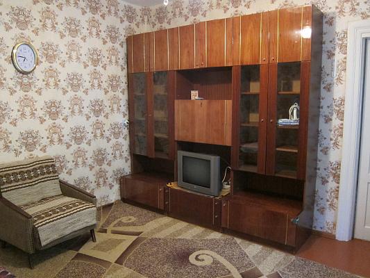 2-комнатная квартира посуточно в Евпатории. пер. Театральный, 1. Фото 1