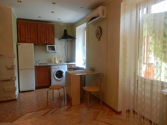1-комнатная квартира посуточно в Киеве. Печерский район, предславинская, 12. Фото 1