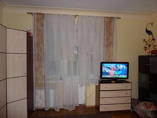 2-комнатная квартира посуточно в Харькове. Дзержинский район, Чичибабина, 7. Фото 1