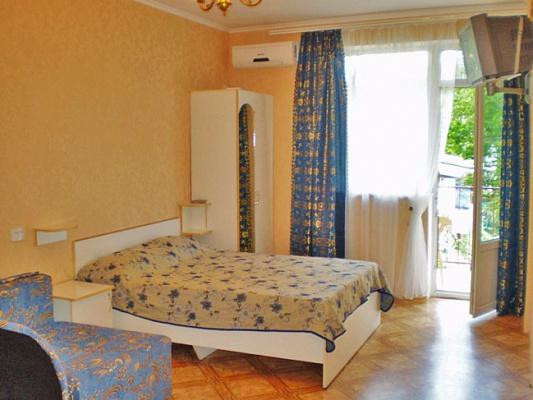 1-комнатная квартира посуточно в Алуште. Горького, 3. Фото 1