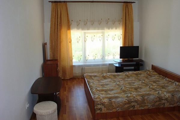 4-комнатная квартира посуточно в Львове. Сыховский район, вул.Хуторівка, 40а. Фото 1