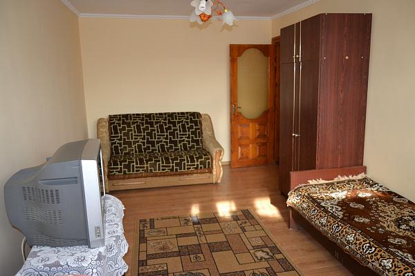 2-комнатная квартира посуточно в Трускавце. ул. Владимира Ивасюка, 17. Фото 1