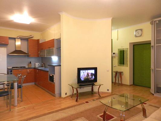 2-комнатная квартира посуточно в Запорожье. Орджоникидзевский район, пр-т Соборный, 174а. Фото 1