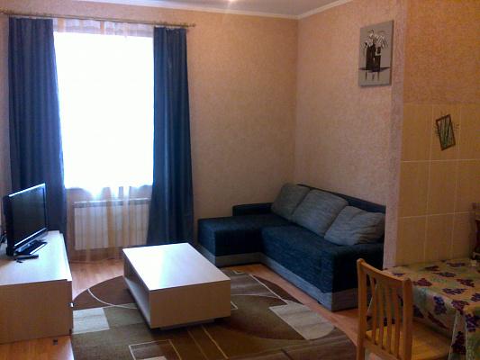 2-комнатная квартира посуточно в Кривом Роге. Саксаганский район, пр. Мира, 33. Фото 1