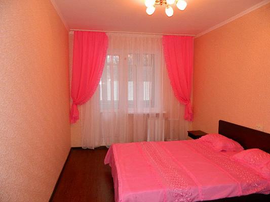 2-комнатная квартира посуточно в Харькове. Краснозаводской район, пр.Гагарина, 46. Фото 1