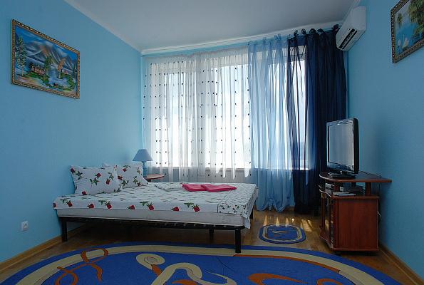 1-комнатная квартира посуточно в Киеве. Дарницкий район, Днепровская наб., 26а. Фото 1