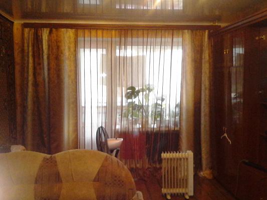 2-комнатная квартира посуточно в Шостке. ул. Прорезная, 11. Фото 1