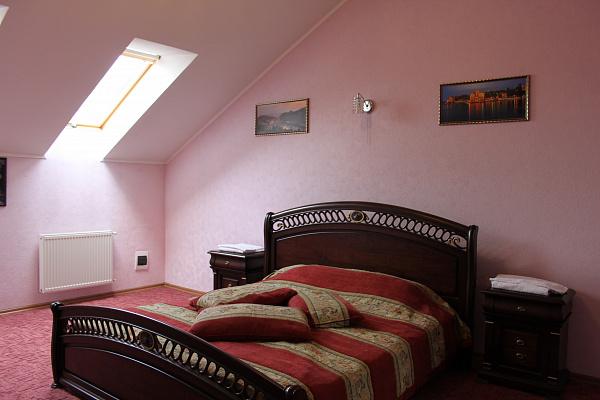 3-комнатная квартира посуточно в Житомире. пер. Шодуаровский, 4. Фото 1