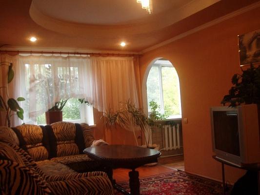 3-комнатная квартира посуточно в Житомире. ул.Щорса а, 20. Фото 1