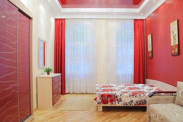 1-комнатная квартира посуточно в Львове. Галицкий район, ул. Пантелеймона Кулиша, 23. Фото 1
