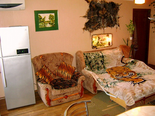 2-комнатная квартира посуточно в Николаеве. Заводской район, ул.проспект ленина, 6. Фото 1