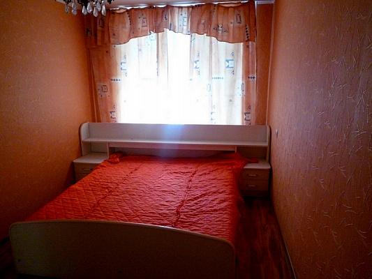 2-комнатная квартира посуточно в Черкассах. б-р Шевченко, 241. Фото 1