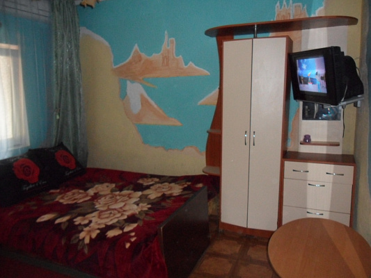 1-комнатная квартира посуточно в Бердянске. ул. Земская, 27. Фото 1