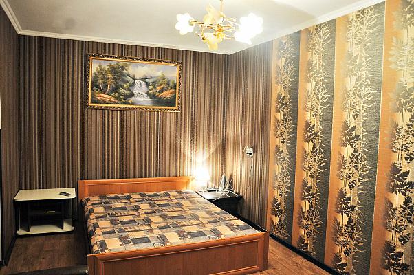 1-комнатная квартира посуточно в Чернигове. Деснянский район, пр-т Победы, 90. Фото 1