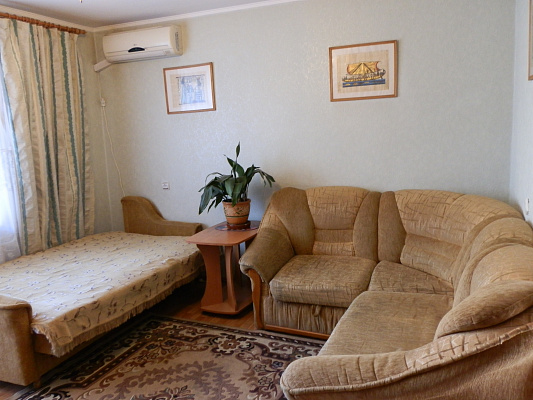 2-комнатная квартира посуточно в Виннице. Старогородский район, ул. Брацлавская, 62. Фото 1