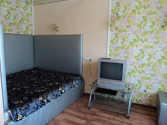 """1-комнатная квартира посуточно в Макеевке. м-н""""Солнечный"""". Фото 1"""