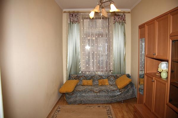 1-комнатная квартира посуточно в Львове. Железнодорожный район, ул. Перова, 14. Фото 1