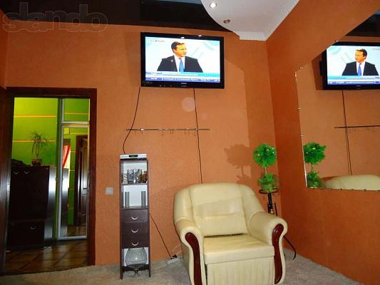 2-комнатная квартира посуточно в Киеве. Голосеевский район, ул. Саксаганського, 27. Фото 1