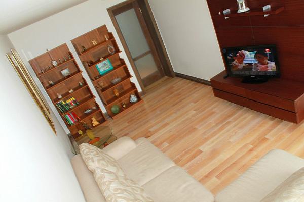 2-комнатная квартира посуточно в Ильичёвске. Пригород район, , Леніна,, 13. Фото 1