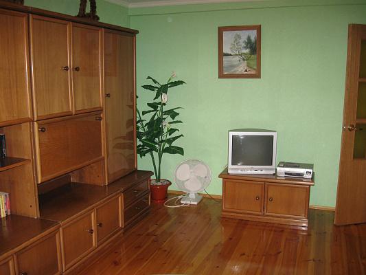 3-комнатная квартира посуточно в Партените. ул. Парковая, 6. Фото 1