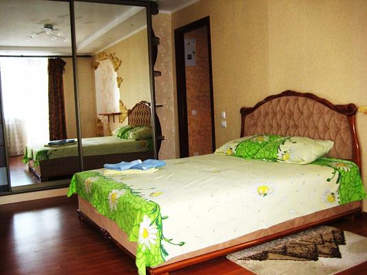 1-комнатная квартира посуточно в Кременчуге. ул. Первомайская, 25. Фото 1
