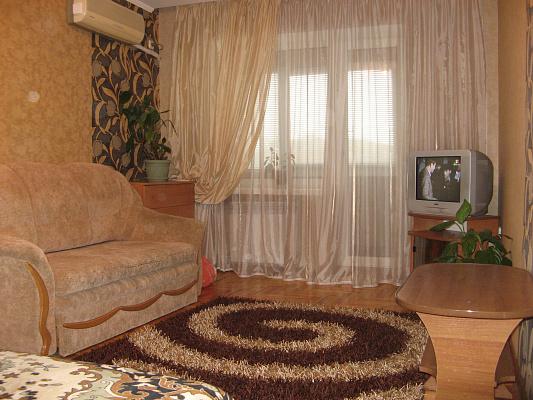 1-комнатная квартира посуточно в Запорожье. Орджоникидзевский район, б-р Центральный, 7. Фото 1