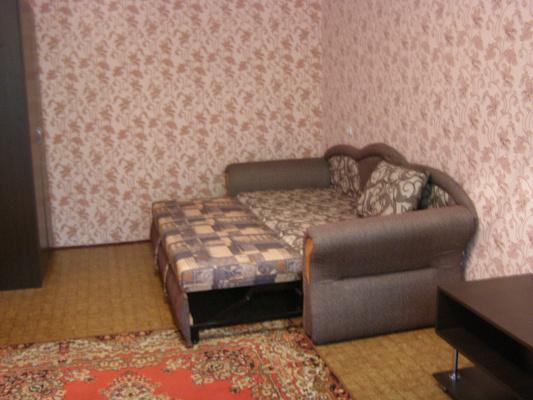 1-комнатная квартира посуточно в Южноукраинске. пр-т Независимости (Ленина), 5. Фото 1