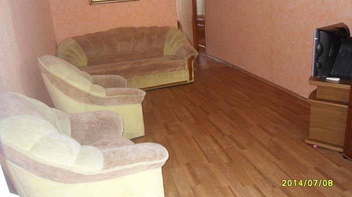 2-комнатная квартира посуточно в Евпатории. ул. Революции, 16. Фото 1