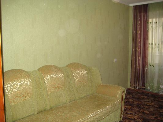 1-комнатная квартира посуточно в Каменце-Подольском. ул. Пушкинская, 37. Фото 1