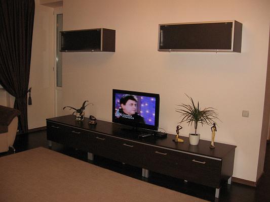 1-комнатная квартира посуточно в Киеве. Оболонский район, пр-т Героев Сталинграда, 4. Фото 1