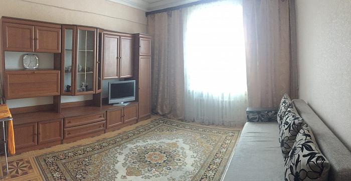 2-комнатная квартира посуточно в Чернигове. Деснянский район, ул. Шевченко, 9. Фото 1
