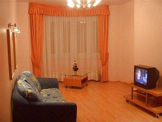 1-комнатная квартира посуточно в Никополе. ул. Электрометалургов, 15. Фото 1
