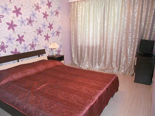 1-комнатная квартира посуточно в Симферополе. Железнодорожный район, ул. Железнодорожная, 8. Фото 1