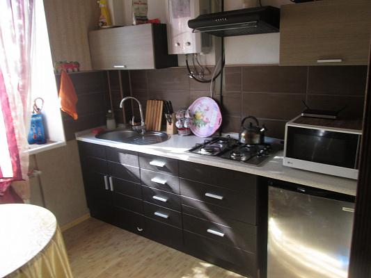 1-комнатная квартира посуточно в Днепропетровске. Амур-Нижнеднепровский район, ул. Артековская, 22а. Фото 1