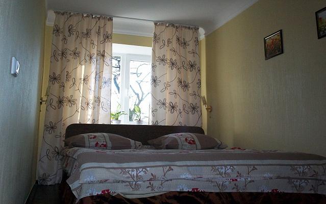 2-комнатная квартира посуточно в Киеве. Шевченковский район, ул. Елены Телиги, 35. Фото 1