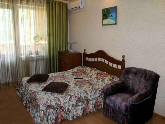 2-комнатная квартира посуточно в Керчи. ул. Орджоникидзе, 90. Фото 1