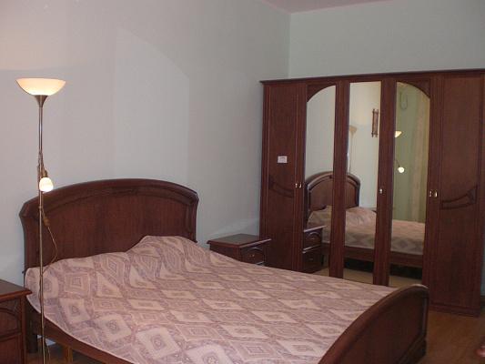 3-комнатная квартира посуточно в Севастополе. Балаклавский район, пр-т Античный, 6. Фото 1