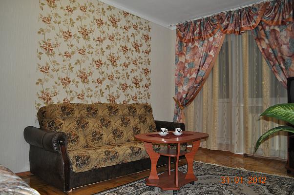 1-комнатная квартира посуточно в Запорожье. Орджоникидзевский район, пр-т Соборный, 141. Фото 1