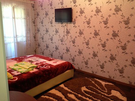 1-комнатная квартира посуточно в Белгороде-Днестровском. ул. Первомайская, 11. Фото 1