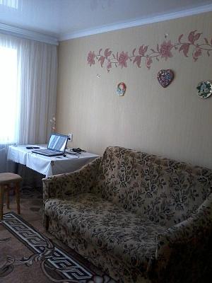 1-комнатная квартира посуточно в Каменце-Подольском. ул. Князей Кориатовичей, 9. Фото 1