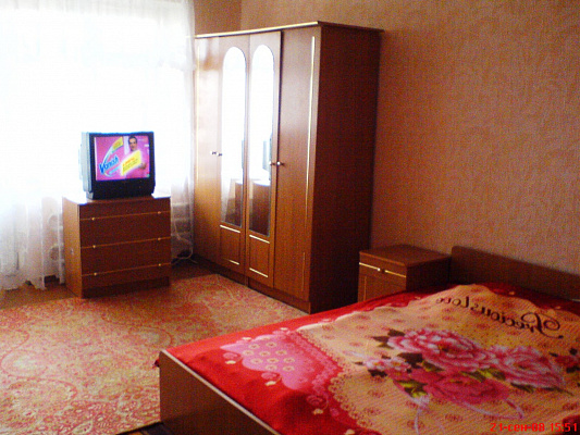 1-комнатная квартира посуточно в Сумах. Ковпаковский район, ул. Засумская, 12. Фото 1