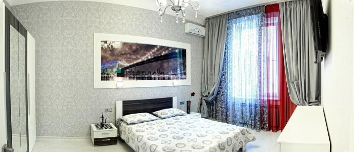 1-комнатная квартира посуточно в Севастополе. Ленинский район, ул. Большая морская, 7. Фото 1
