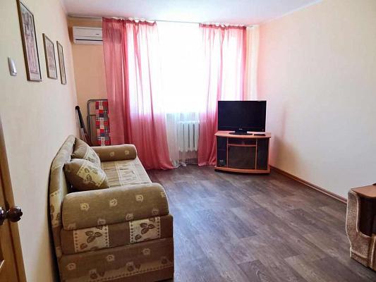 1-комнатная квартира посуточно в Феодосии. б-р Старшинова, 4. Фото 1